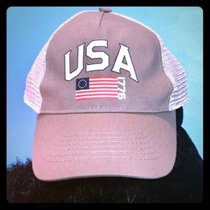 Other - 🇺🇸NWOT USA GRAY AND WHITE BALL CAP🇺🇸